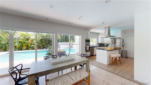 Photo of 330 Ridgewood Rd, Coral Gables, FL 33133 (MLS # A10908555)