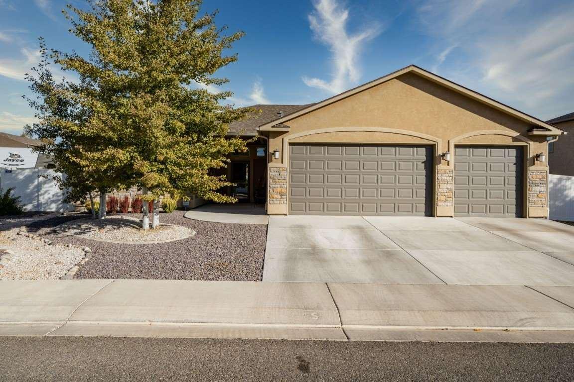 Photo of 3166 Stoneburro Drive, Grand Junction, CO 81504 (MLS # 20205234)