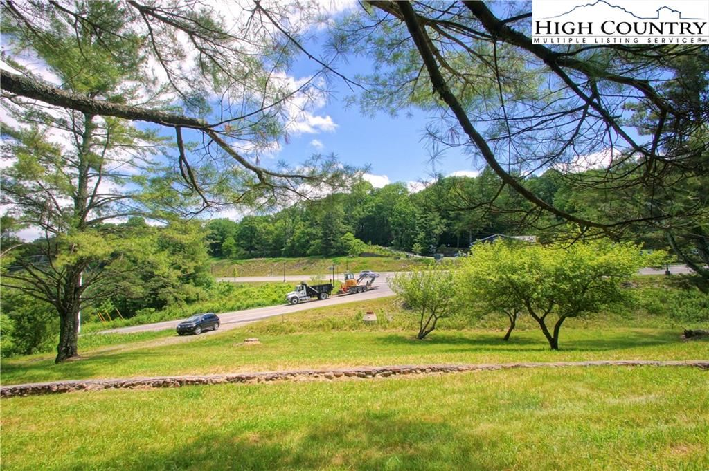 Photo for 986 Ransom Street, Blowing Rock, NC 28605 (MLS # 222409)