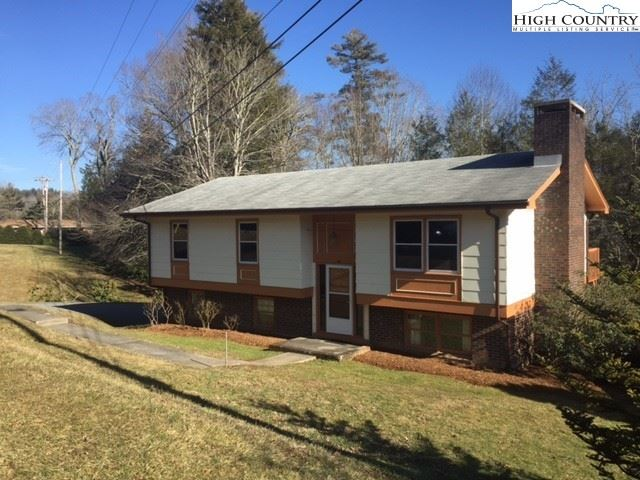 Photo for 465 Highland Ave, Boone, NC 28607 (MLS # 228417)