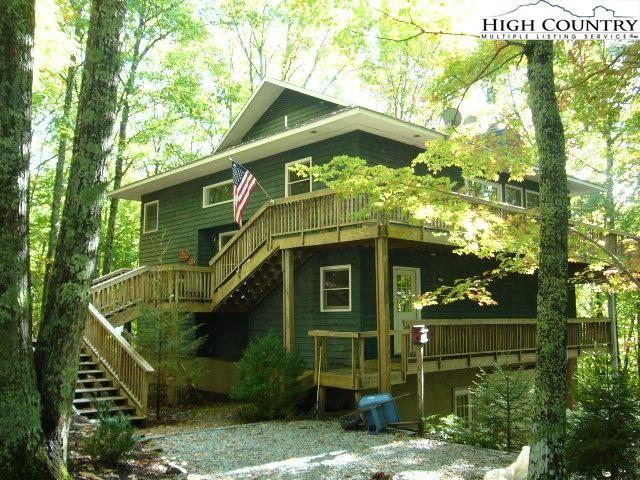 Photo for 105 Spicewood Lane, Beech Mountain, NC 28604 (MLS # 233761)
