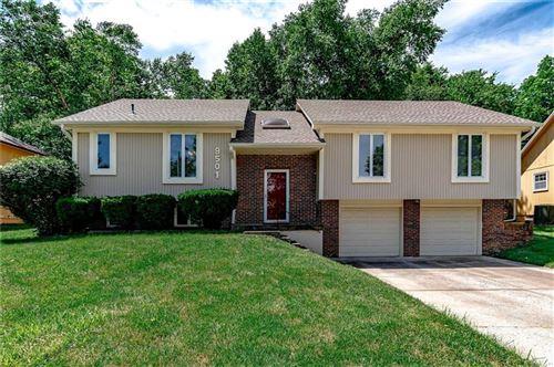Photo of 9501 E 90th Terrace, Kansas City, MO 64138 (MLS # 2229035)