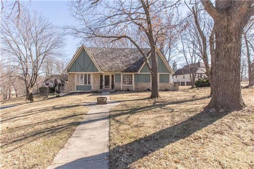 Photo of 3503 NE Beechwood Circle, Lees Summit, MO 64064 (MLS # 2208318)