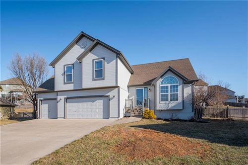 Photo of 2341 SW Current Court, Lees Summit, MO 64082 (MLS # 2208325)