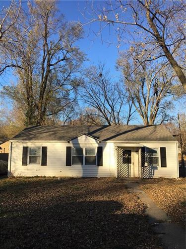 Photo of 2602 S 49TH Terrace, Kansas City, KS 66106 (MLS # 2254335)