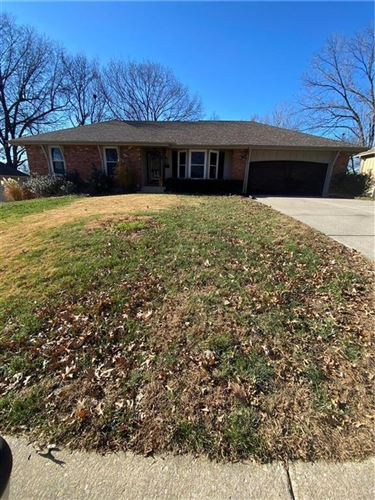 Photo of 5220 Stanton Drive, Kansas City, MO 64133 (MLS # 2254363)