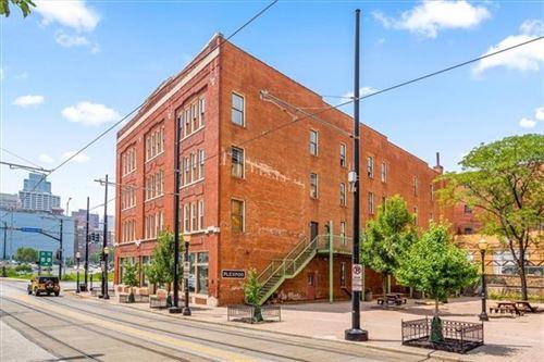 Photo of 510 Delaware Street #406, Kansas City, MO 64105 (MLS # 2350592)