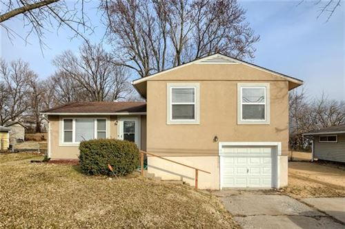 Photo of 4321 N Brighton Avenue, Kansas City, MO 64117 (MLS # 2306643)