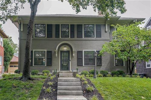Photo of 204 W 68 Terrace, Kansas City, MO 64113 (MLS # 2228971)