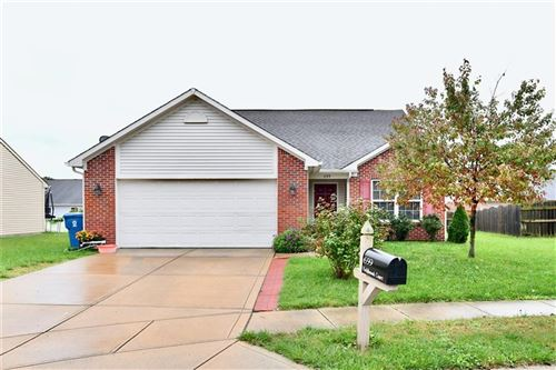 Photo of 659 Fieldbrook Court, Indianapolis, IN 46217 (MLS # 21821087)