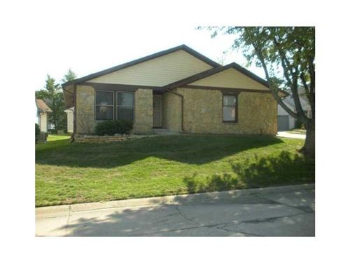 Photo of 2802 SADDLE BARN WEST Drive W, Indianapolis, IN 46224 (MLS # 21820999)