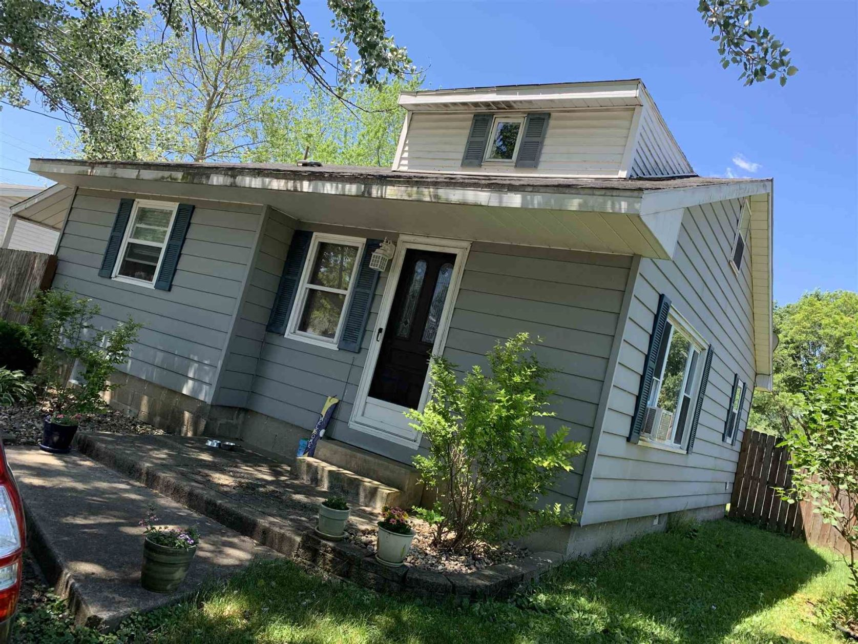 Photo of 6341 E TRUSDELL AVE Avenue, Syracuse, IN 46567 (MLS # 202022246)