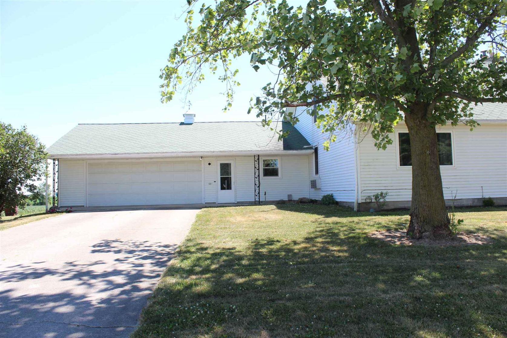 Photo of 1848 E 400 N Road, Urbana, IN 46990 (MLS # 202026816)
