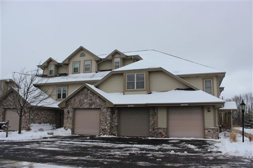 Photo of W173N5557 Ravenwood Dr, Menomonee Falls, WI 53051 (MLS # 1674000)