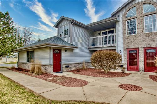 Photo of 711 Quinlan DR #E, Pewaukee, WI 53072 (MLS # 1683048)