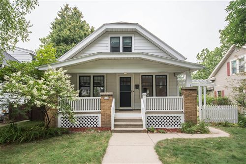 Photo of 8218 W Gridley Ave, Wauwatosa, WI 53213 (MLS # 1654056)