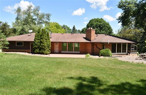 Photo of 15755 Heather Hill Dr, Brookfield, WI 53005 (MLS # 1746084)