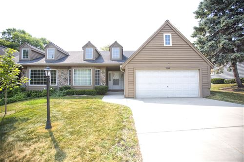 Photo of 3749 S Oakbrook Dr, Greenfield, WI 53228 (MLS # 1715188)