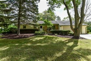 Photo of 10212 N Sunnycrest Dr, Mequon, WI 53092 (MLS # 1657332)