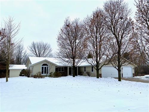 Photo of N75W16319 Colony Rd, Menomonee Falls, WI 53051 (MLS # 1670389)
