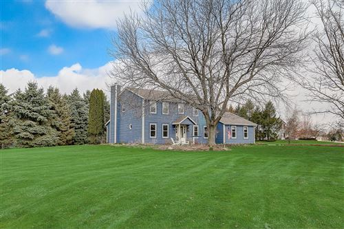 Photo of 2319 Hillcrest Dr, Delafield, WI 53018 (MLS # 1685459)