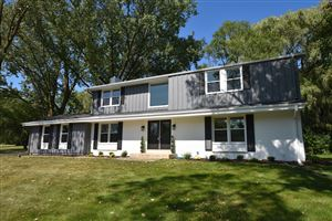 Photo of 10453 N Circle Rd, Mequon, WI 53092 (MLS # 1650571)