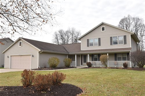 Photo of W142N6173 Mill Ridge Dr, Menomonee Falls, WI 53051 (MLS # 1669574)