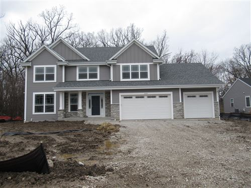 Photo of 5225 S 37 St, Greenfield, WI 53221 (MLS # 1653719)