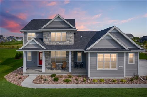 Photo of 7970 W Mourning Dove Ln, Mequon, WI 53097 (MLS # 1677752)
