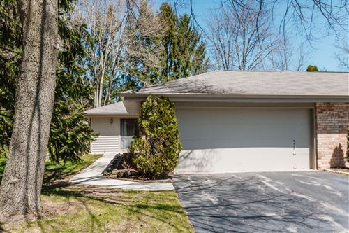 Photo of 6518 W Aspen Tree Ct, Mequon, WI 53092 (MLS # 1688776)