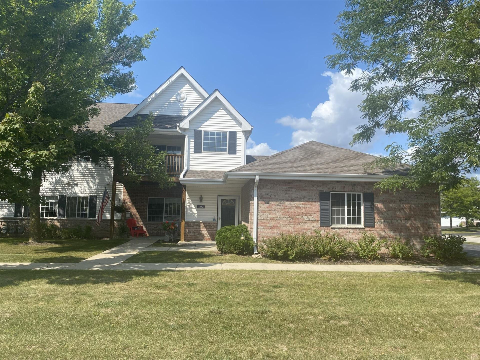 Photo for 4783 S Forest Point Blvd, New Berlin, WI 53151 (MLS # 1763782)