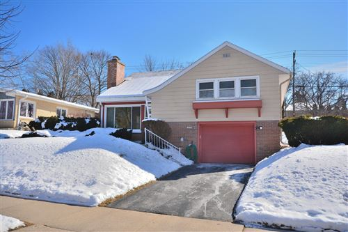 Photo of 10529 W Grantosa Dr, Wauwatosa, WI 53222 (MLS # 1677796)