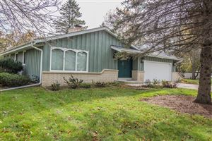 Photo of 11434 N Oriole Ln, Mequon, WI 53092 (MLS # 1665810)