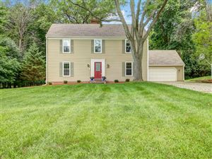Photo of 307 White Pine Rd, Delafield, WI 53018 (MLS # 1636827)