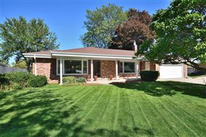 Photo of 7760 W Plainfield Ave, Greenfield, WI 53220 (MLS # 1662875)
