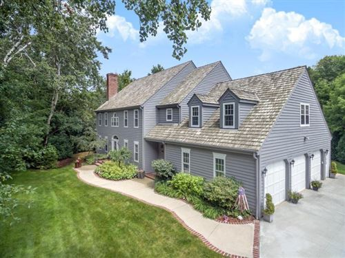 Photo of 3708 W Tremont Ct, Mequon, WI 53092 (MLS # 1673946)