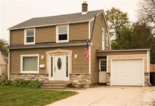 Photo of 4623 W Wilbur Ave, Greenfield, WI 53220 (MLS # 1711988)