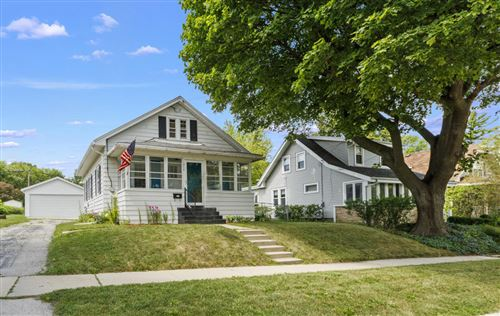 Photo of 314 Hyde Park Ave, Waukesha, WI 53188 (MLS # 1699997)