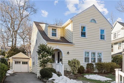 Photo of 32 Forest Park Avenue, Larchmont, NY 10538 (MLS # H6097842)