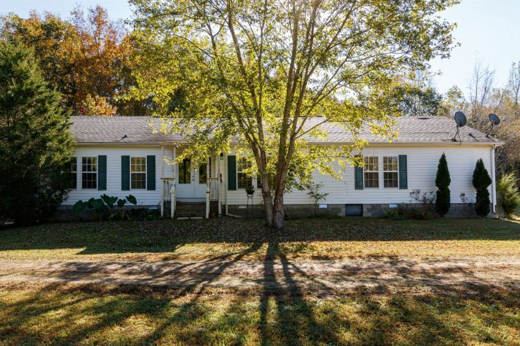 Photo for 6282 Rockhouse Rd, Linden, TN 37096 (MLS # 2202186)