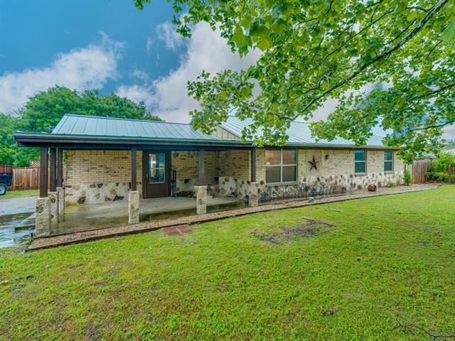 Photo for 1308 Bluebird Lane, Midlothian, TX 76065 (MLS # 14574016)