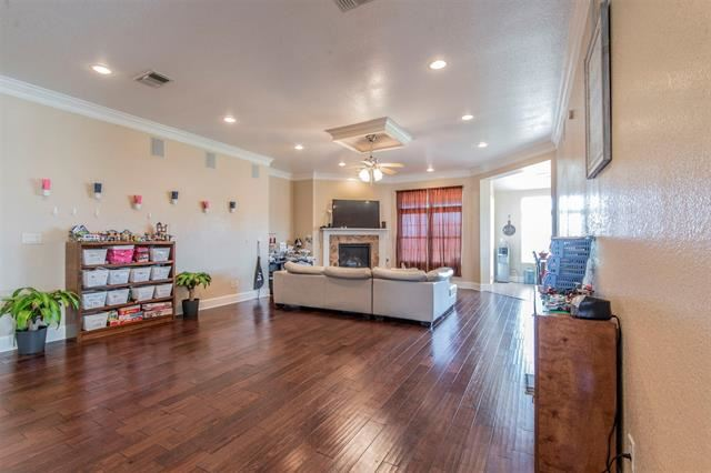 Photo for 901 County Road 914a, Burleson, TX 76028 (MLS # 14203155)