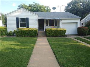Photo of 2104 W Lotus Avenue, Fort Worth, TX 76111 (MLS # 14118185)