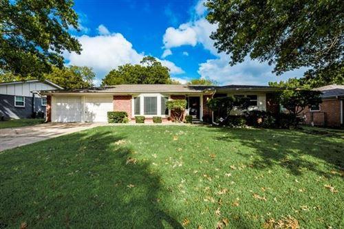 Photo of 5237 Rutland Avenue, Fort Worth, TX 76133 (MLS # 14692217)