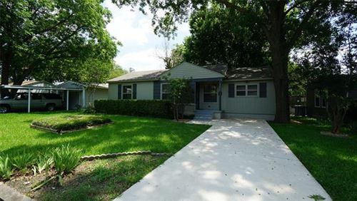 Photo of 2820 Encino Drive, Dallas, TX 75228 (MLS # 14599245)