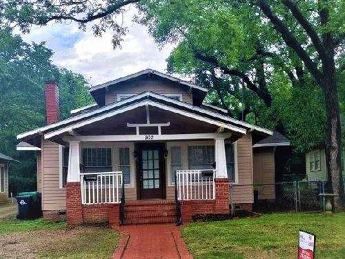 Photo of 902 W Hickory Street #2, Denton, TX 76201 (MLS # 14610325)
