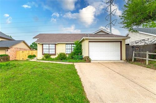 Photo of 5520 Creek Valley Drive, Arlington, TX 76018 (MLS # 14575497)
