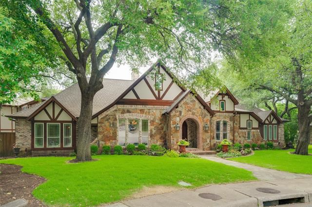 Photo for 6930 Norway Place, Dallas, TX 75230 (MLS # 14399510)