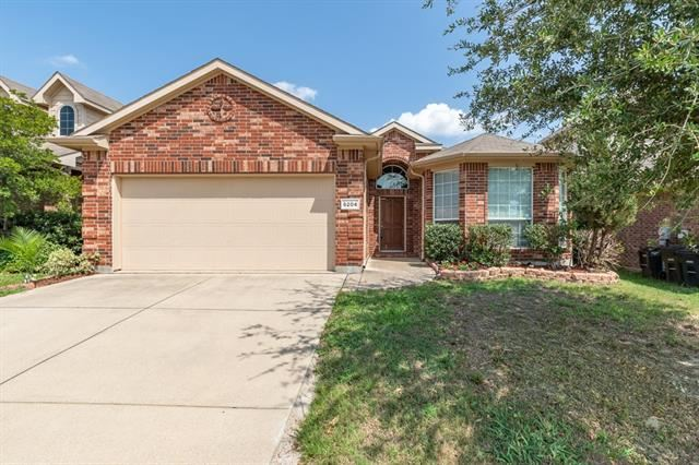 Photo for 6204 Kristen Drive, Fort Worth, TX 76131 (MLS # 14137904)