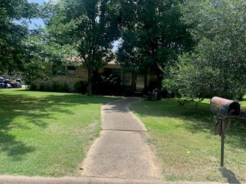 Photo of 416 Carol Avenue, Corsicana, TX 75110 (MLS # 14629937)